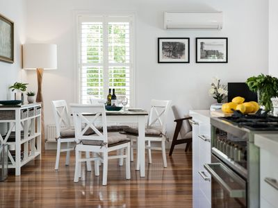Photo for King's Cottage - Gorgeous cottage within walking distance of Lake Daylesford!