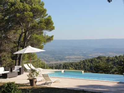 Photo for Stone house in Luberon, heated infinity pool, patio, near Gordes