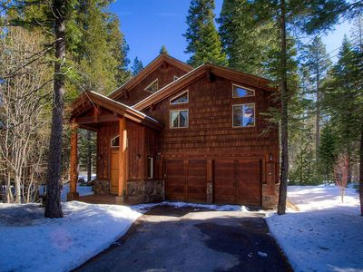 Photo for Blue Pine Lodge, Large Deck, Chef's Kitchen (WSH1073)