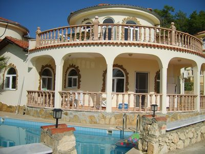 Photo for Villa, very charming for up to 6 people, with sea views and private pool