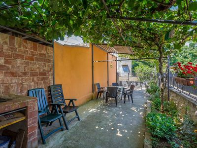 Photo for Charming holiday home far away from mass tourism with kitchen, bathroom, WiFi, terrace and barbecue area