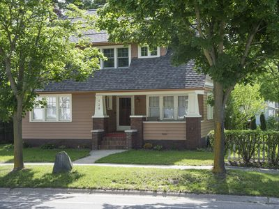 Photo for 3BR Bungalow Vacation Rental in Flushing, Michigan