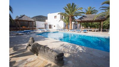 Photo for 7 bedroom Villa, sleeps 12 with Pool, FREE WiFi and Walk to Shops