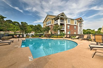 Enjoy access to the community pool and tennis court.