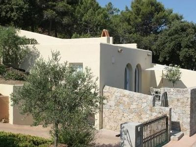 Photo for renting a charming house, sea view, very well located.