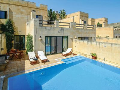 Photo for Elegant villa with short drive from coastline
