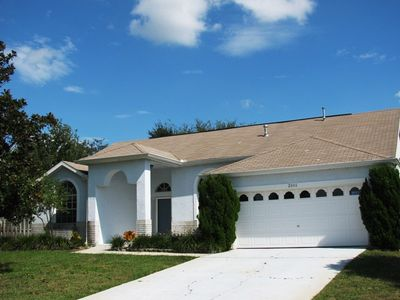 Photo for Private 4 Bedroom 3 Bathroom Pool Home on a cul-de-sac minutes to Disney (6042)