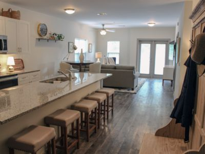 Photo for 209 LUXURY DOWNTOWN 2BED/2BA CONDO, sleeps 6!