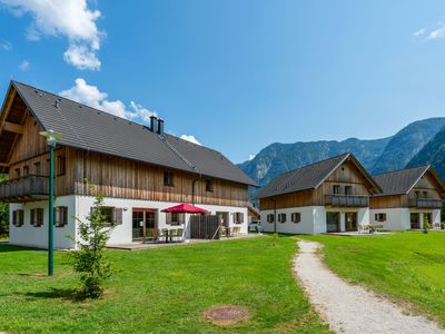 Photo for Luxurious chalet with sauna, situated on the Hallstättersee in Obertraun.