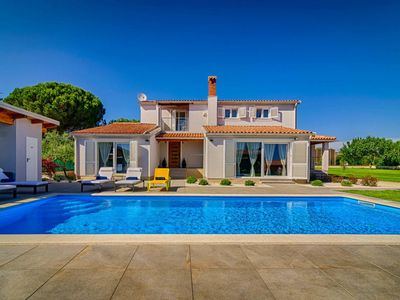Photo for Vacation home Haus Villa CAPTAINS HOUSE (PUL577) in Pula - 8 persons, 4 bedrooms
