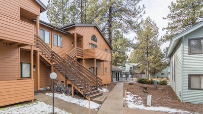 Photo for Located in Sunriver Business Park, HD TV, Seasonal  Pool & Hot Tub