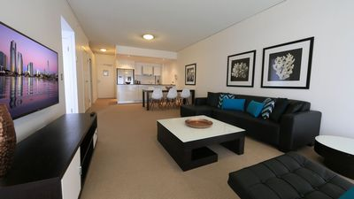 Photo for 3bed 2bath lvl 11 ocean view - broadbeach