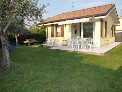 Photo for Villetta Gelsomino, in Bardolino Calmasino villa in residence with swimming pools.
