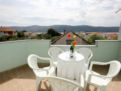 Photo for One bedroom apartment with terrace and sea view Poljica, Trogir (A-10010-a)