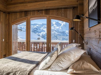 Photo for Aspen Lodge, Ski in Ski Out, Private Sauna, 6 Adults & 5 Children
