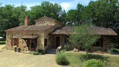 Photo for Near the Dordogne, beautiful stone house, quiet and relaxing.