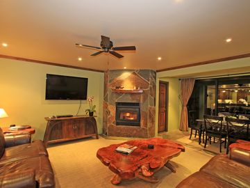 LUXURY 1849 CONDO AT CANYON LODGE, 103 GREAT REVIEWS, LOTS OF EXTRAS!!