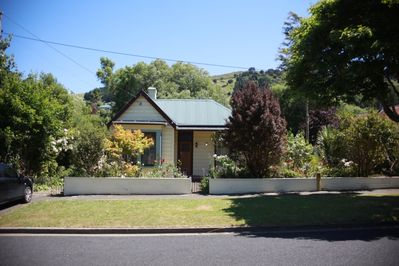 Welcoming house with wood burner, private deck, cottage garden and fast wifi.