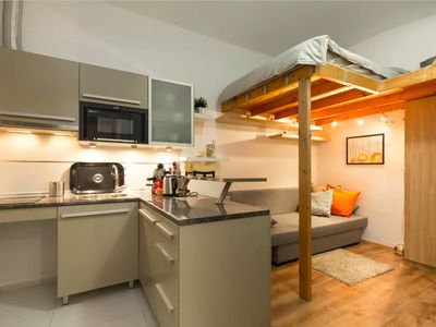 Photo for Central & Cozy Modern Studio Apartment / Culture & RuinedBars in Downtown!