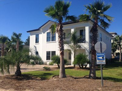 BEACH HOUSE LOCATED ON A CORNER LOT.  WALK TO BEACH W/LOTS  PARKING FRONT & BACK