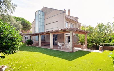Photo for House with garden and pool near Barcelona