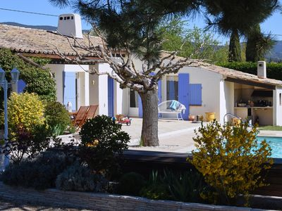 Photo for Family house in Lauris at the foot of the Luberon