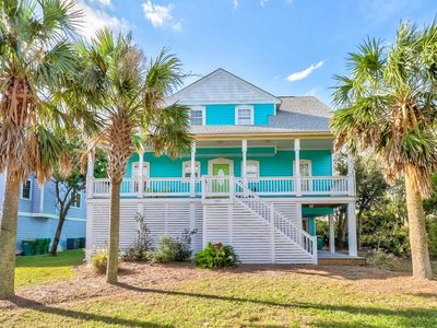 Photo for Dog Friendly, Spacious House Across From The Beach!