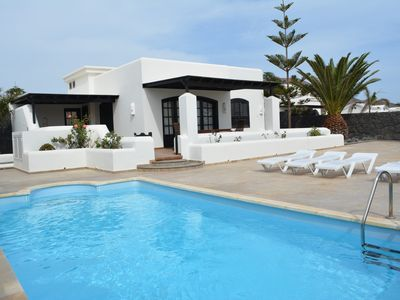 Photo for Beautiful Villa With private heated swimming pool on Faro Park With English TV