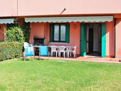 Photo for Apartment Residence Barum Garden (LAZ210) in Lazise - 6 persons, 2 bedrooms