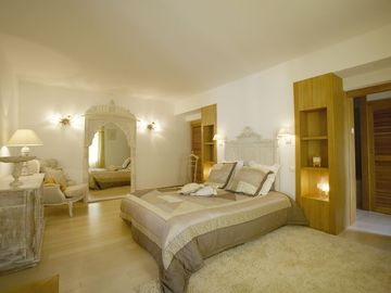 Search 255 holiday lettings