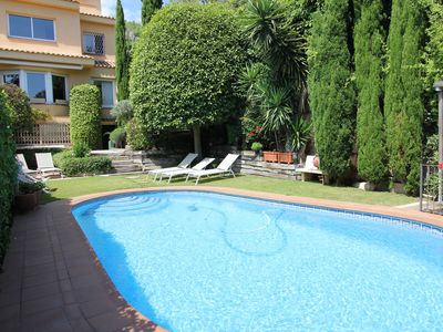 Photo for Family Villa With Pool For Up To 8 People