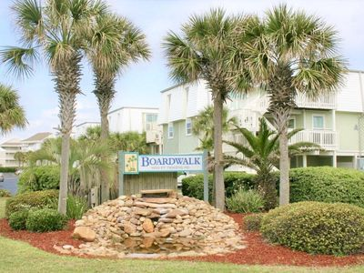 Photo for Seas the day 3-level Townhome, 2 bed and 2.5 bath.