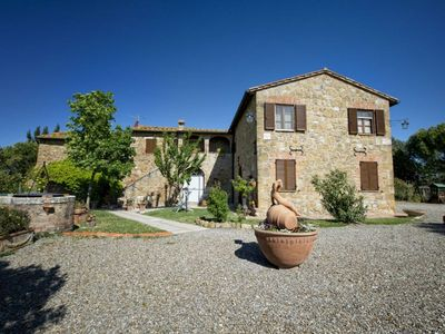 Photo for One bedroom Apartment, sleeps 4 in San Quirico d'Orcia with Pool, Air Con and WiFi