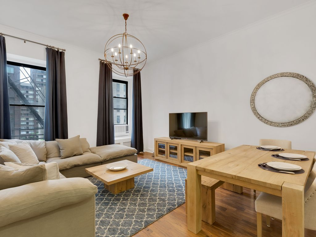 New Renovation 3 Bed 2 Bath Columbus Circle Central Park
