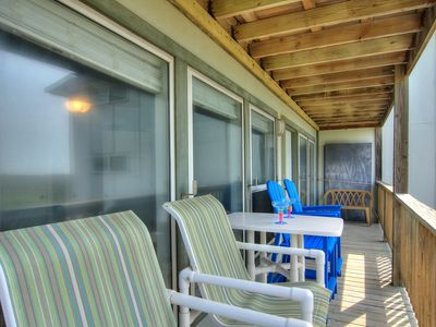 Photo for 2 bedroom, 2 bath condo with a great view! Heated Pool!