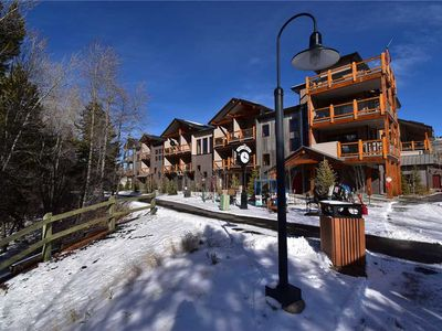Photo for Top Floor Luxury Condo On The Blue River - Walk to Dining, Shops, Rec Center.  Easy Drive to Slopes