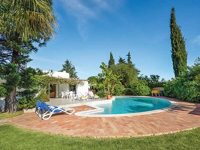 Photo for 3 bedroom Villa, sleeps 6 in Carvoeiro with Pool, Air Con and WiFi