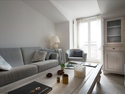 Photo for Bright and elegant 1bdr penthouse