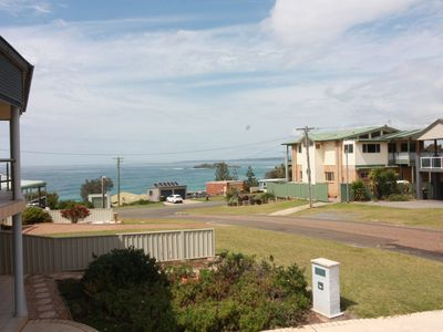 Photo for Point of View a holiday home with green island views. WIFI and Netflix. Pet allowed outside.