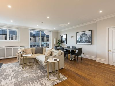 Photo for New luxurious flat by Trafalgar Square & Mayfair!