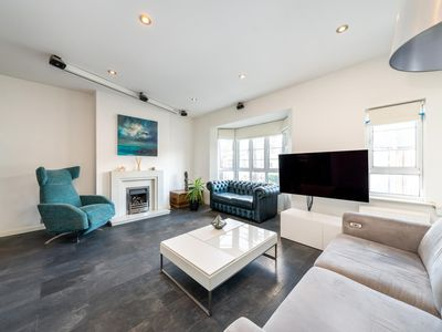 Photo for Modern 2BD Riverside Flat in Fulham
