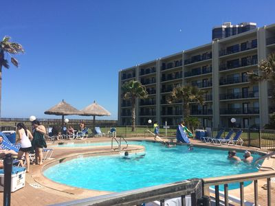 Beach side condo with 3 pools & 4 Tennis Courts