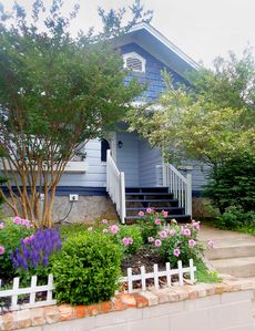 Charming cottage 8 blocks from Pack Square!