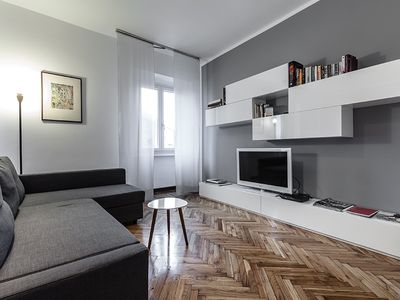 Photo for APARTMENT NEAR THE CENTER WITH VIEW ON COLUMNS OF SAN LORENZO