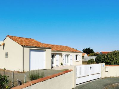 Photo for Vacation home Les Genêts (BTI463) in Bretignolles sur Mer - 8 persons, 4 bedrooms
