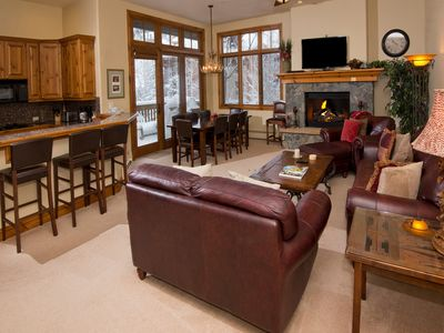 Photo for Cozy & Central Arrowhead Village Townhome, 3Br, Sleeps 6