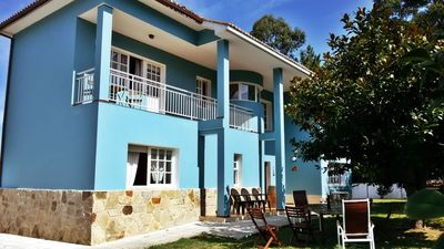 Photo for Spacious villa with amazing garden near the beach and Sada