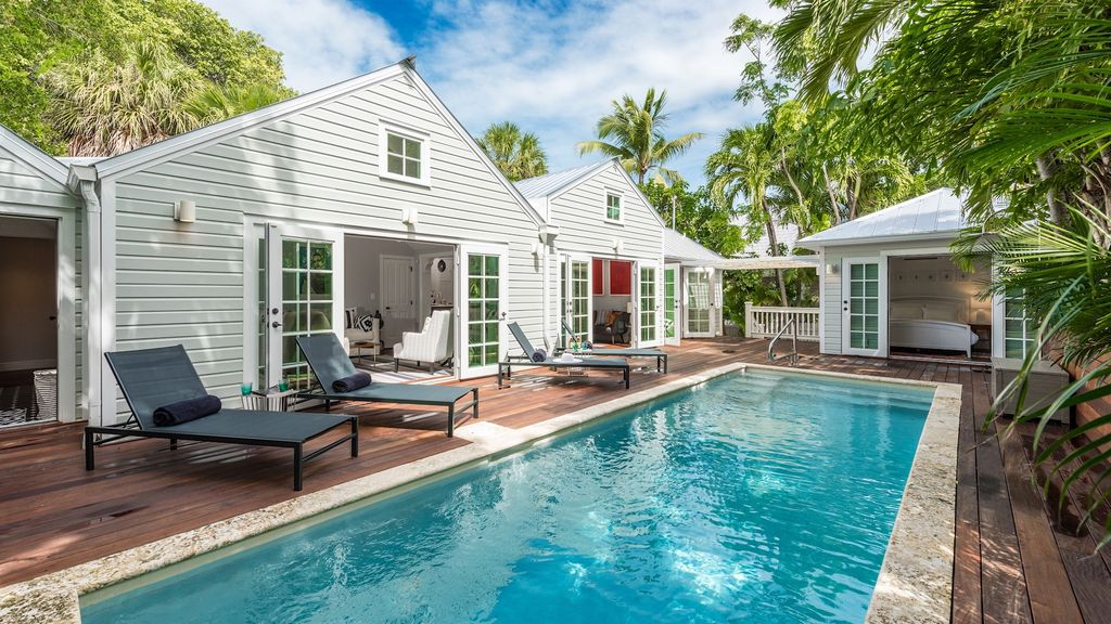 Immaculate homeaway old town for Virtual pool builder