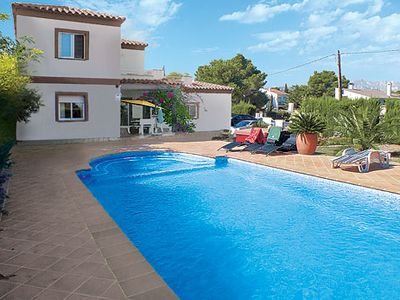 Photo for 4-bedroom modern villa w/ comfortable furnishings 5-minute walk to shops