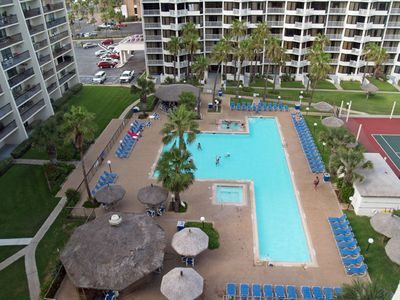 Photo for Dog-friendly, beachfront resort with pools, hot tubs, tennis courts, and more!